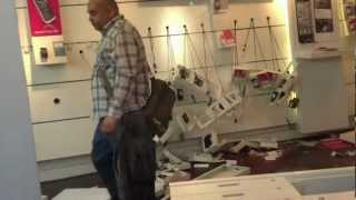 Angry Man - Destroys Phone Shop ORIGINAL UNCUT  (HQ 1080p)(, 2012-07-01T15:03:47.000Z)
