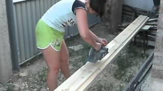 яна  работает рубанком(, 2012-08-26T21:01:17.000Z)