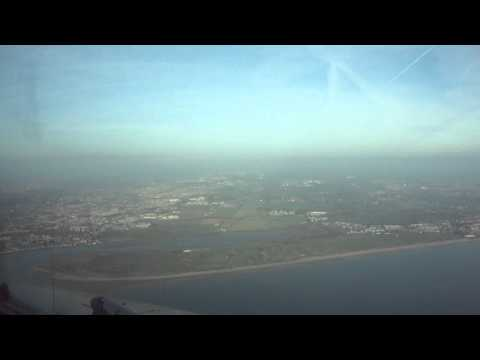Morning Approach and Landing RWY 28 Dublin International Airport - Cockpit View