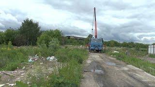 Озеро Глушица начали очищать от многолетнего мусора