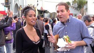 Reporter Eats Sandwich During Oscar Interviews
