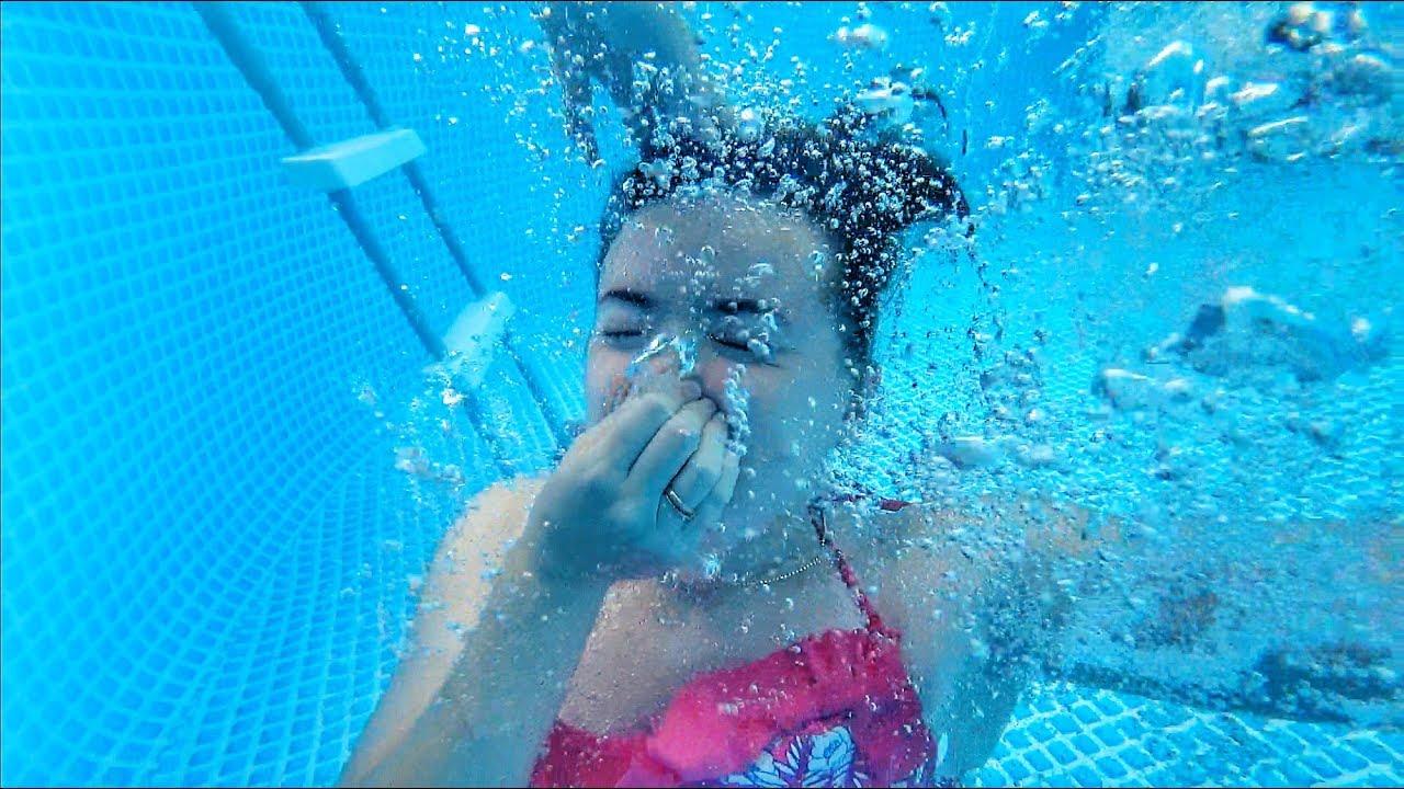 ВЛОГ Бассейн на даче | Прыжки в бассейн | Маша купается и прыгает в воду 15.07.2017