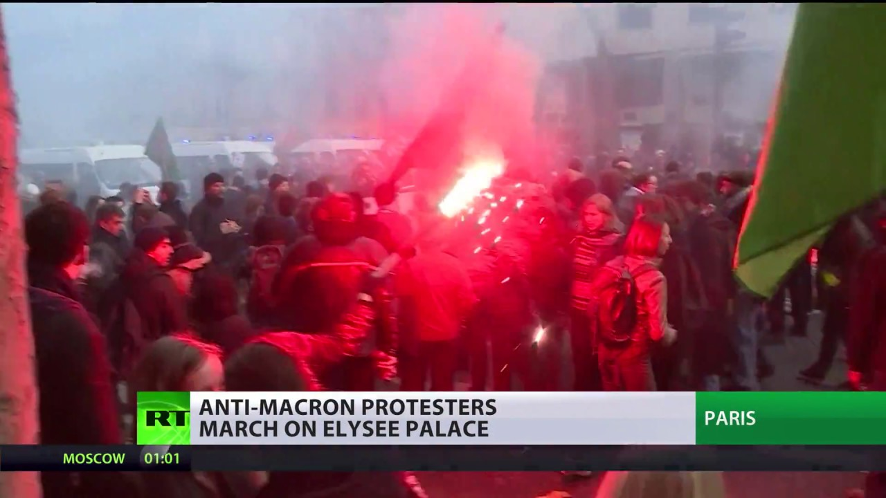Reform backlash: Anti-Macron protesters march on Elysee Palace