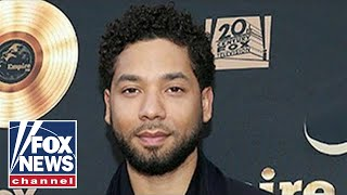 Jussie Smollett turns himself into Chicago police