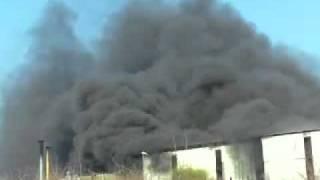 nube tossica si sprigiona da una fabbrica di polistirolo di postiglione -sa-