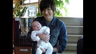 Video Lee Min Ho with His baby download MP3, 3GP, MP4, WEBM, AVI, FLV Agustus 2019