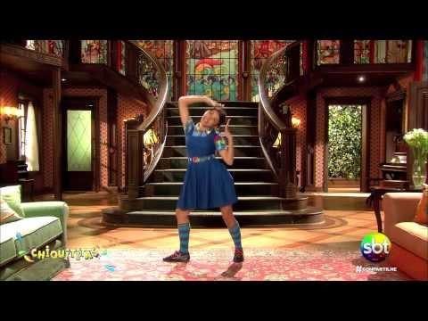 Mili ensina a dançar a coreografia da musica Remexe-Chiquititas 2013