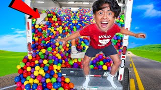 FILLING MY TRUCK WITH 1,000,000 BALL PIT BALLS!