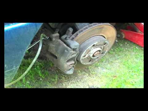 How to change a Ford Galaxy Master Cylinder