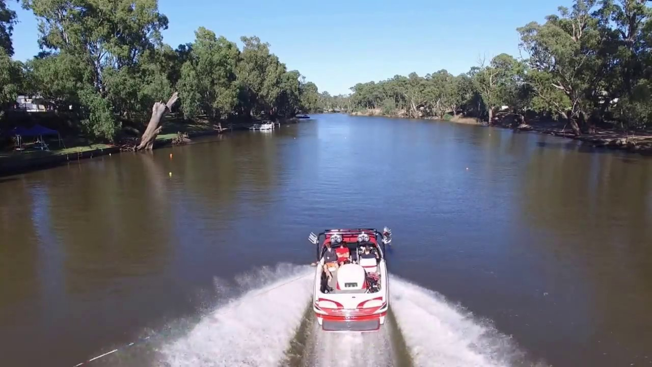 Reasons why to waterski in Deniliquin rather than Echuca