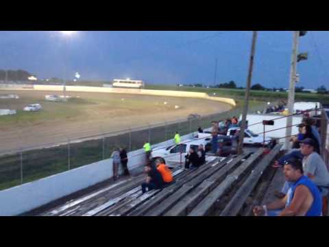 34 raceway stock car feature 5-28-16 pt2