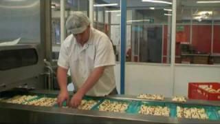 Dero Foods - Productieproces Maple Pecan Plait.flv