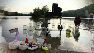 Concert sur Pian'eau flottant à la pleine lune ~ par Elisabeth Chedebois