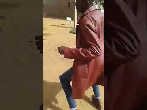 KopZela dancing to ko monateng
