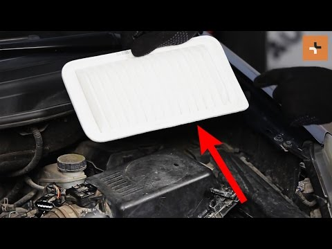 How to change a engine air filter TOYOTA COROLLA VERSO II Tutorial | Autodoc