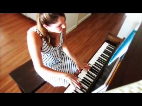 A Thousand Years by Christina Perry (piano cover by Tara O