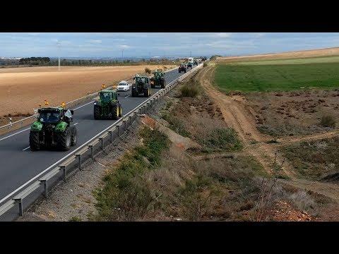 Tractorada en Toledo para registrar un documento con 125 medidas en defensa del campo