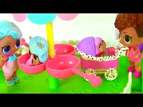 Прогулка Семейки Куклы Лол Сюрприз с младенцами! Мультик Lol Surprise Dolls Видео для детей