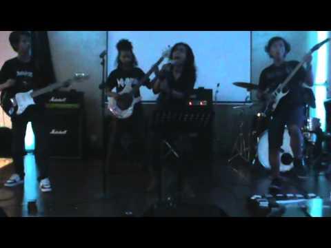 ARSVEDA - Ikuti (EDANE Cover) Live at Jambuluwuk Hotel Yogyakarta Be A Opening Act for Rolland Band