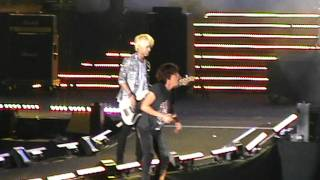 [fancam] FT ISLAND - I HOPE at KOREAN MUSIC WAVE 2011 MALAYSIA