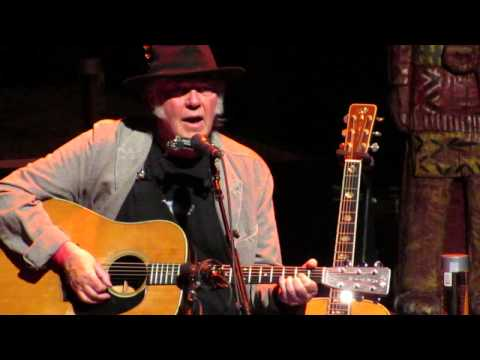 Neil Young - Old Man - Chicago Theater, Chi IL. Apr 22, 2014