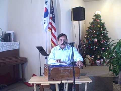 Artesia Community Church - Malik Latif singing Christmas Song