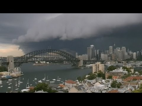 Sydney storm: Amazing timelapse of menacing clouds rolling in over the harbour
