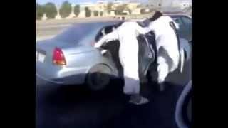 Арабское фигурное катание(Арабы - удивительно безбашенные люди, они способны на то, чтобы держаться за движущийся автомобиль и изобра..., 2015-11-16T18:35:11.000Z)