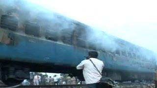 مقتل 47 شخصا على الاقل في حريق بقطار في الهند