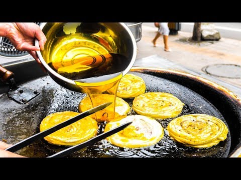 INCREDIBLE Street Food in China   SICHUAN Chinese Street Food Tour - DAN DAN Noodles + SPICY Chicken