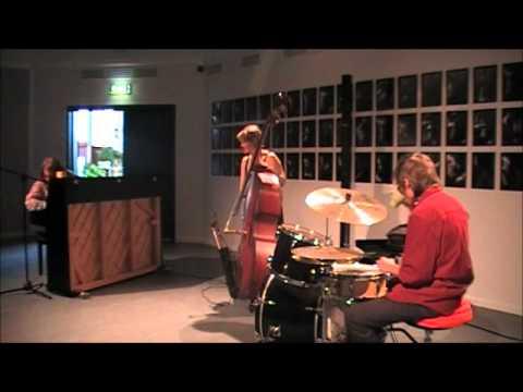 Nils Henriksson Trio - Svit för Savitsky (live @ Multeum)