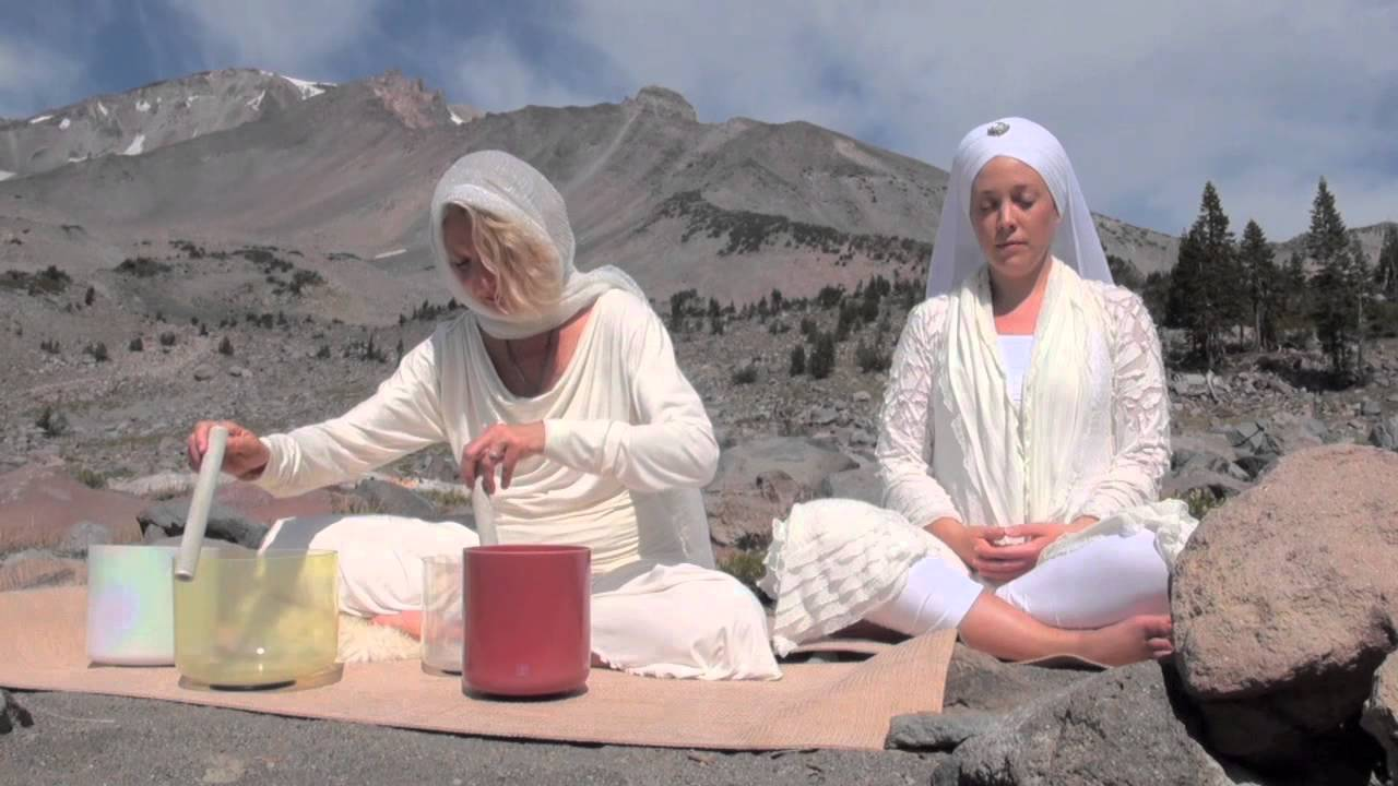 Ashana Playing Crystal Singing Bowls On Mt Shasta Youtube