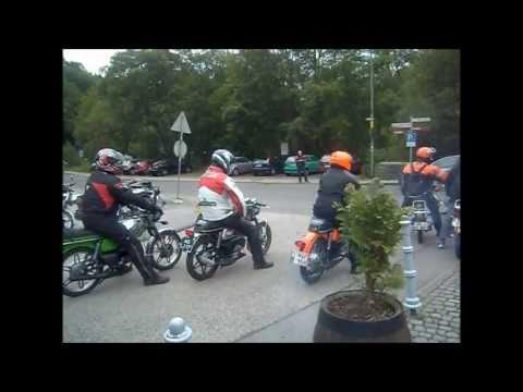 Kreidler nord-Eifel Kreidlertourrit 2011 De snelle nozems vertrekken