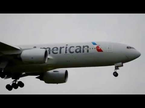American Airlines 777-223(ER) (AA49) landing at DFW International Airport (N787AL)