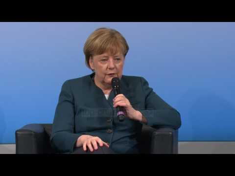 Apeli i Merkel: Islami nuk është burim terrori - Top Channel Albania - News - Lajme