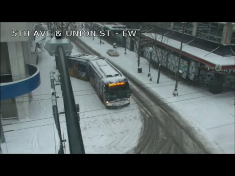 [Traffic Cam] Seattle Drivers vs the snow: 2021!