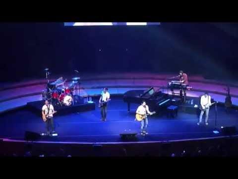 NOAH - Mimpi Yang Sempurna/Menghapus Jejakmu. (Live at Esplanade)