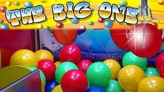 THE BIG ONE - Ginamanous Giant Balls - Claw Machine Wins