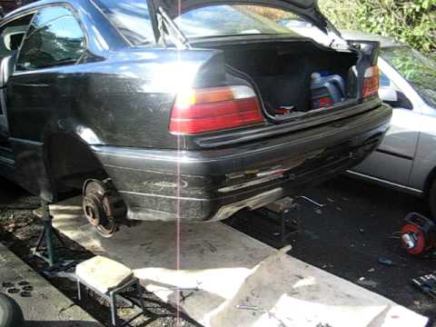 BMW 318is 1993 M42 engine, changing rear brake lines made easy!