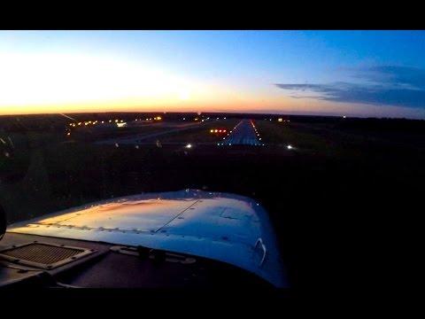 Dusk landing at Indianapolis Metro Airport (KUMP) in a Cessna 172RG