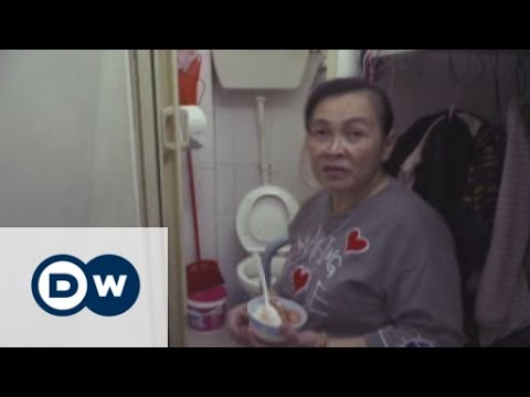 Hong Kong: Living in a shoe box | DW English