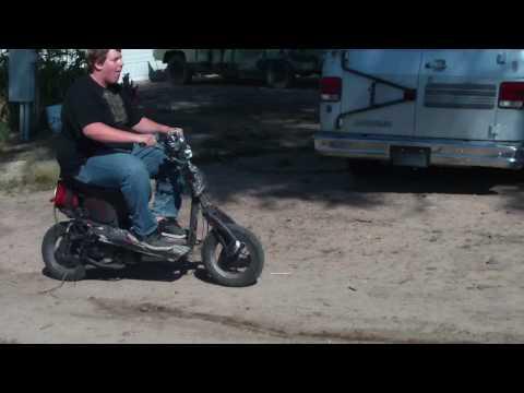 saltino-con-lo-scooter-e-poi