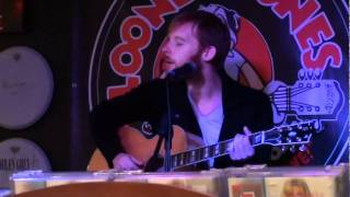 Watch Kevin Devine Letting A Good One Go video