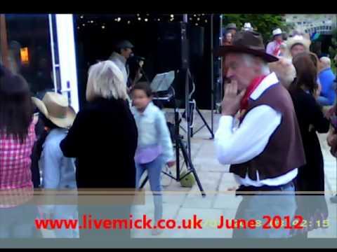 www.livemick.co.uk - La Bamba