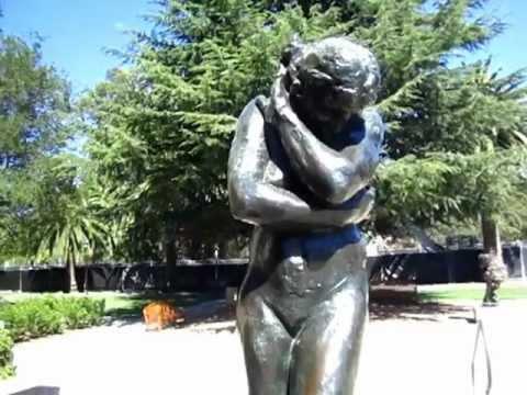 Tourist - Stanford Rodin Garden nwith blablabla