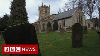Coronavirus: How Eyam in Derbyshire 'self-isolated' - BBC News