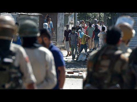 Kashmir Unrest : Fresh clashes broke out in Anantnag and Shopian   Oneindia News