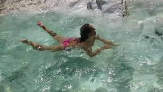 Sandra in piscina