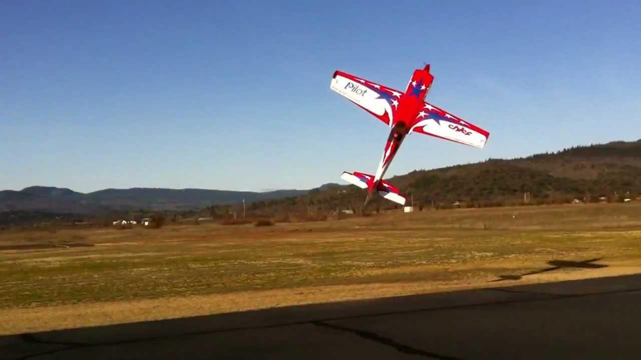 Pilot RC 40% Extra 330SC Flown by Steve Coleman