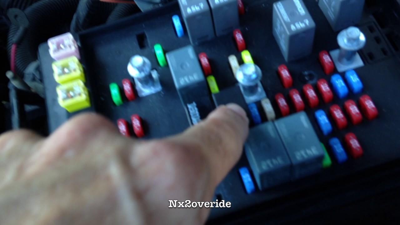 trailblazer gmc envoy headlights wont turn off on flickering [ 1280 x 720 Pixel ]